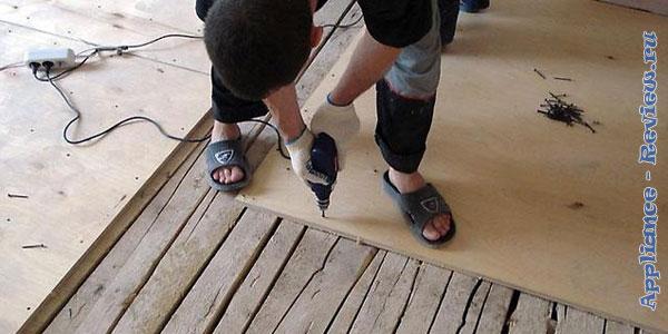 уладка линолеума на деревянное основание